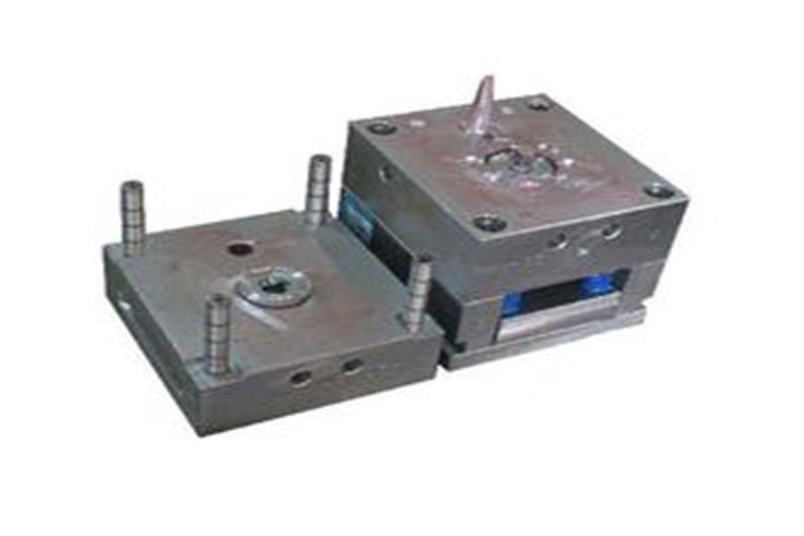 Safeguards for the appearance of plastic-type molds